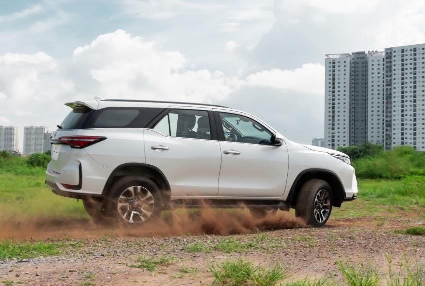 Toyota Fortuner 2021 ra mắt tại VN, giá từ 995 triệu VNĐ rẻ hơn bản cũ Ảnh 4