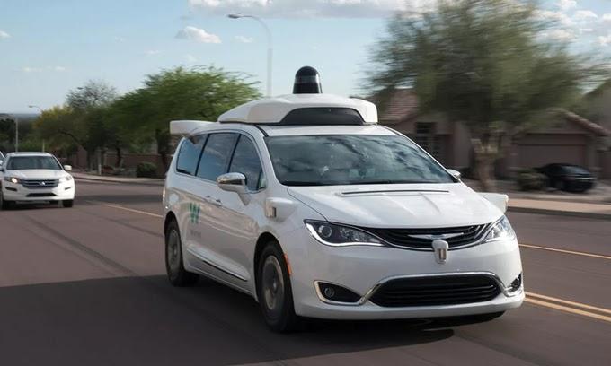 thuê xe taxi tự động