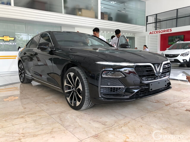 có nên mua xe VinFast Lux A2.0